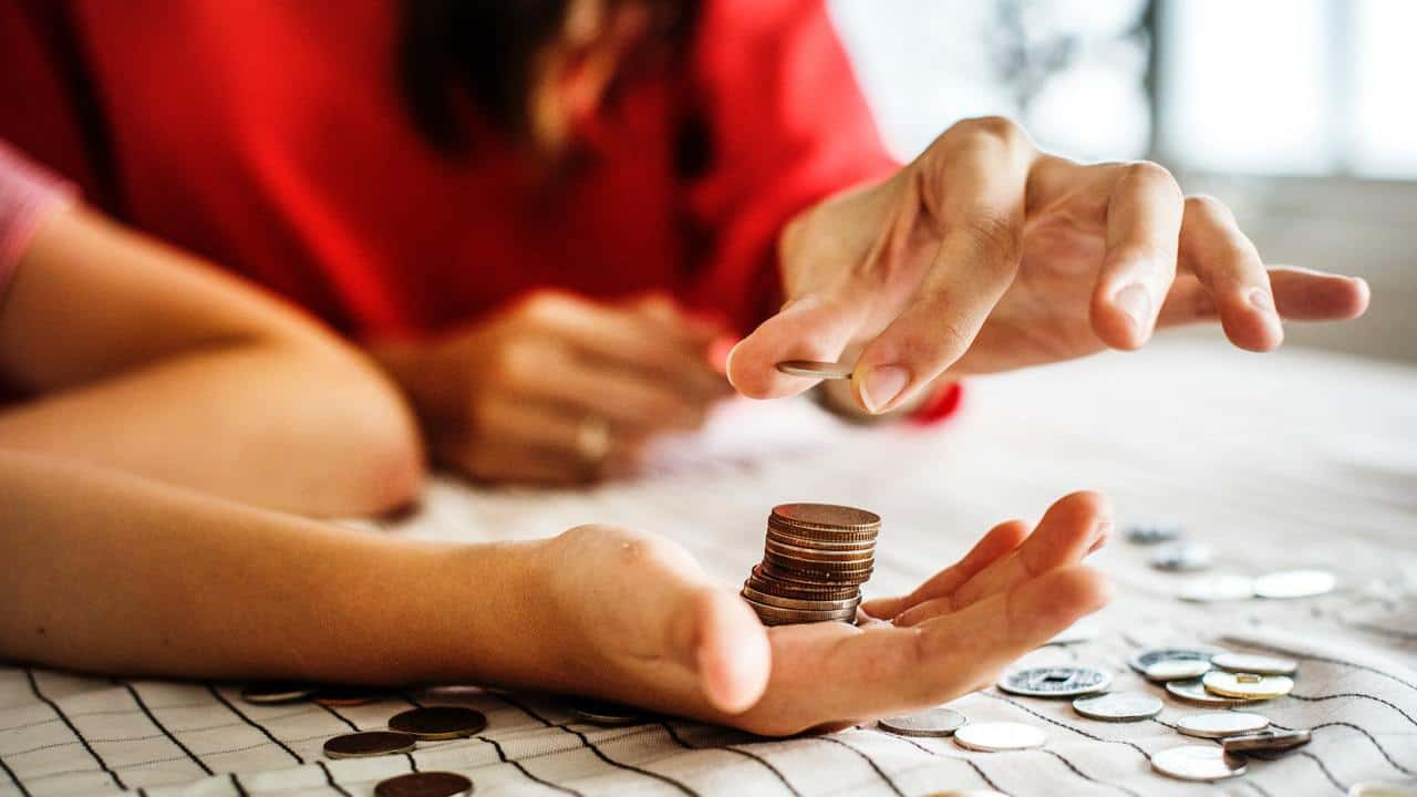 12 Amazing Ways to Save Money with Less Income